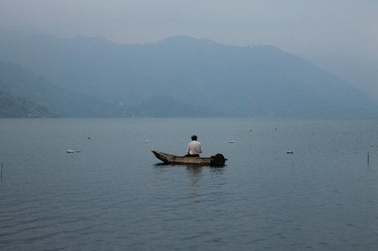 Eco Hotel Uxlabil Atitlan: Local fishermen abound