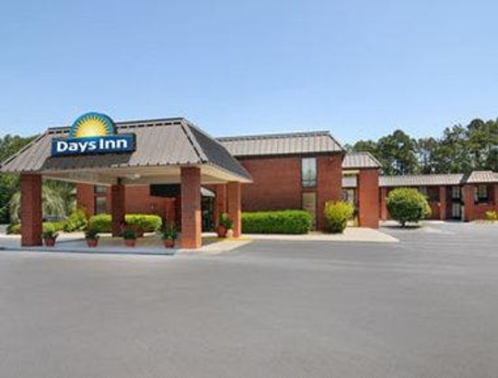 Welcome To The Days Inn Statesboro, GA