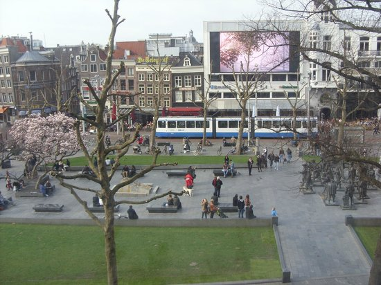 Rembrandt Square Hotel: View of Rembrandt Square from our room