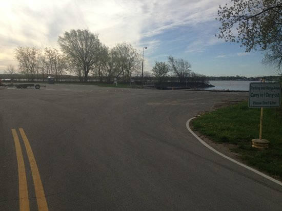 Ohio: Boat Ramp Entrance
