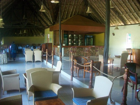 Ol-moran Tented Camp: Dining area and bar