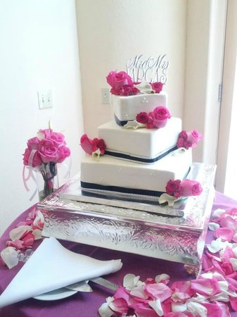 Auburn, : Black, Pink and Bling Square Wedding Cake