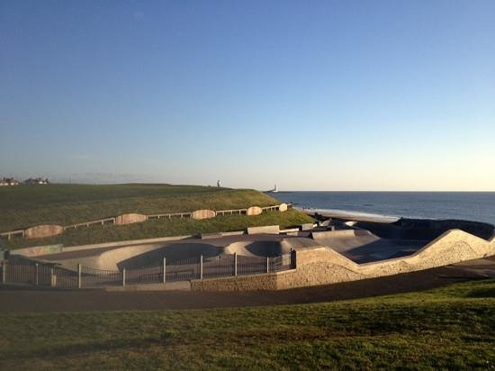 Whitley bay links and beach england on tripadvisor address reviews for Waves swimming pool whitley bay