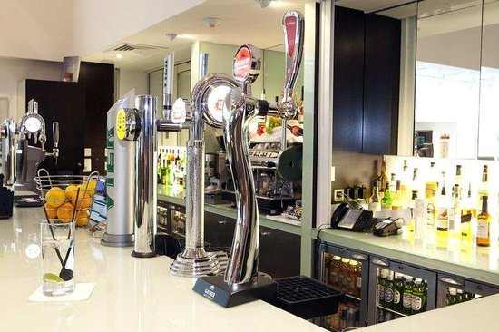 Cranford, UK: Hotel Bar