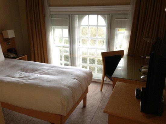 Hilton London Hyde Park: Single - Room 610