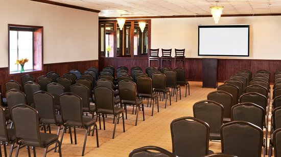 Four Points by Sheraton Kalamazoo: Function Space