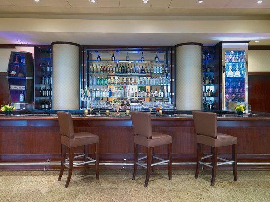 Royal Sonesta Hotel Houston: Bar Lounge