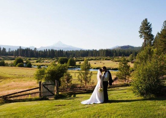 Camp Sherman, Орегон: Wedding