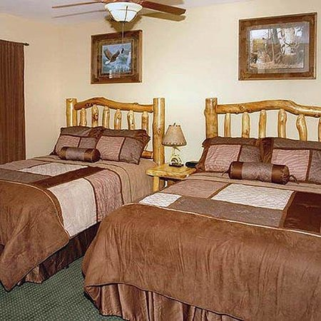 Summit Manor Condominiums Bed