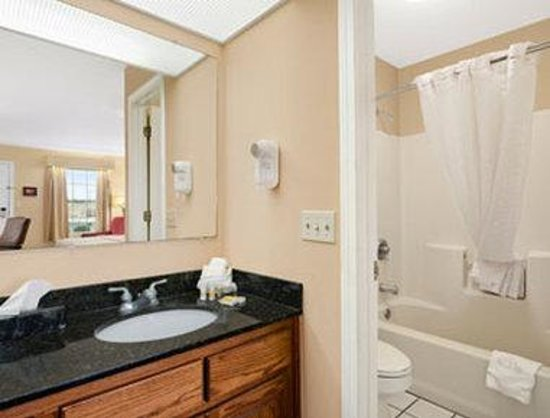 Days Inn Americus: Bathroom