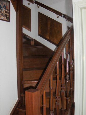 Parkzijde Bed &amp; Breakfast: Stairs Down To Room