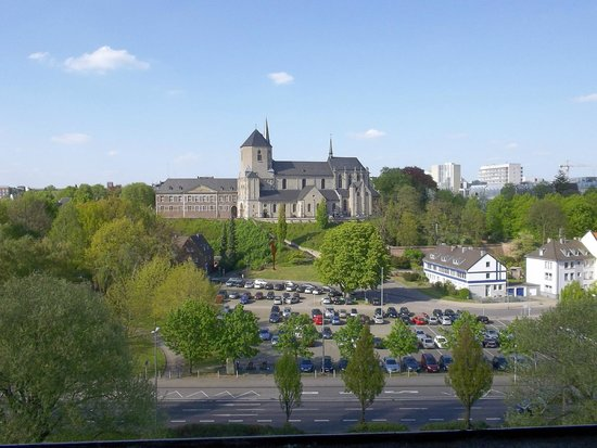 Mönchengladbach, Deutschland: View from rooms at front of hotel