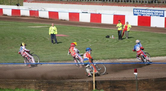 Sittingbourne, UK: Full throttle Action