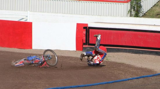 Sittingbourne, UK: Speedway can be Dangerous