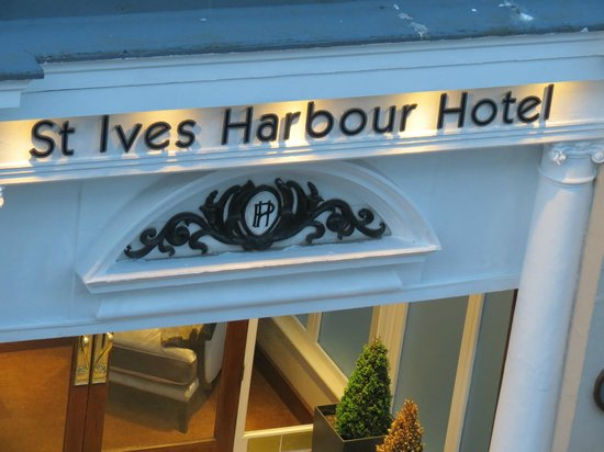 St. Ives Harbour Hotel & Spa: Hotel entrance