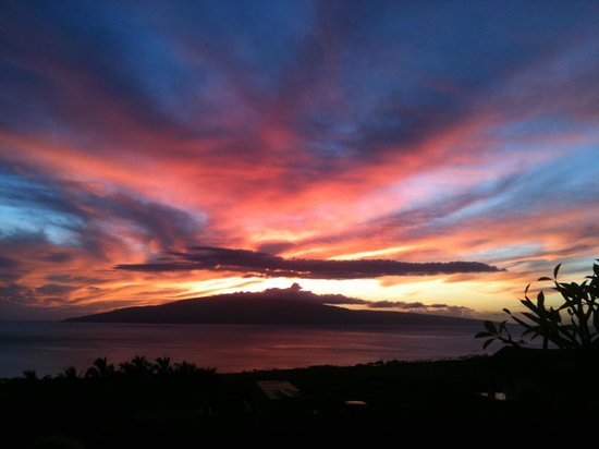 Ho'oilo House: Sunset