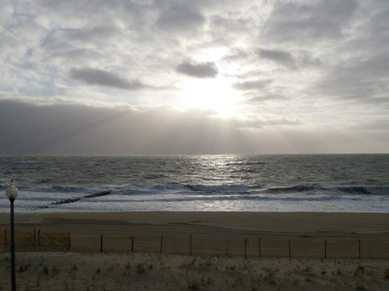 Atlantic Sands Hotel & Conference Center: a morning view from our room