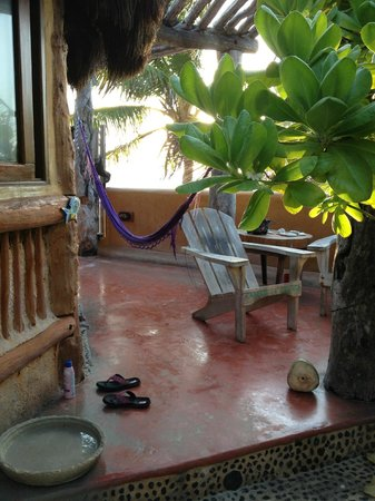 Cabanas la Conchita: patio, hammock was falling apart