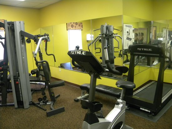 Orbit One Vacation Villas: gym