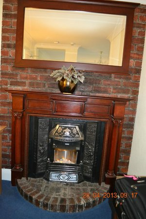 Cairnryan, UK: Electric Fireplace
