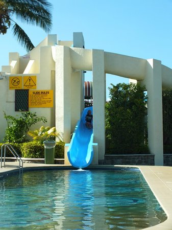 Raffles Gateway Hotel: Slide