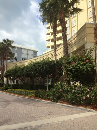 LaPlaya Beach & Golf Resort Naples: Front of La Playa