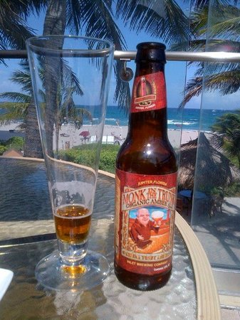 Palm Beach Marriott Singer Island Beach Resort & Spa: Beach Beer