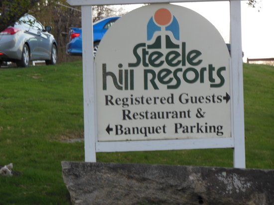 Steele Hill Resorts: Restaurant Signage