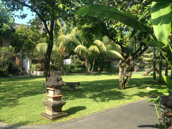 Padma Resort Bali at Legian: Beautiful Resort Gardens