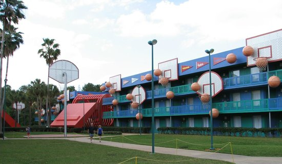 Disney&#39;s All-Star Sports Resort: Hoops Hotel section