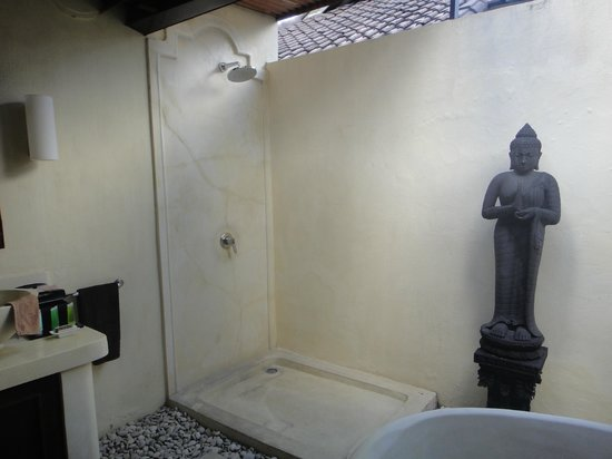 Villa Tania: Good shower pressure