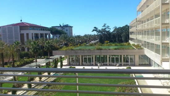 UNA Hotel Versilia: VISTA DALLA CAMERA