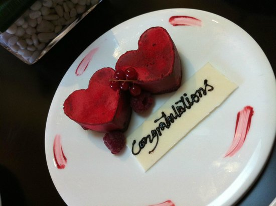 Kempinski Hotel Mall of the Emirates: Heart-shaped mousse. complimentary from the hotel