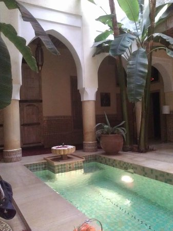 Riad Azoulay: Central pool