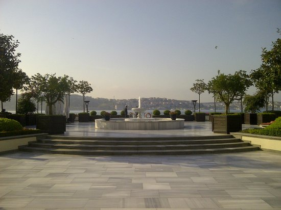 Four Seasons Istanbul at the Bosphorus: Four Seasons