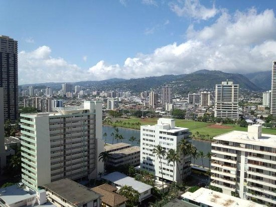 Ambassador Hotel Waikiki: The view from lanai