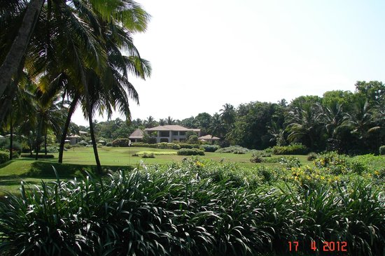 The Leela Goa : golf area