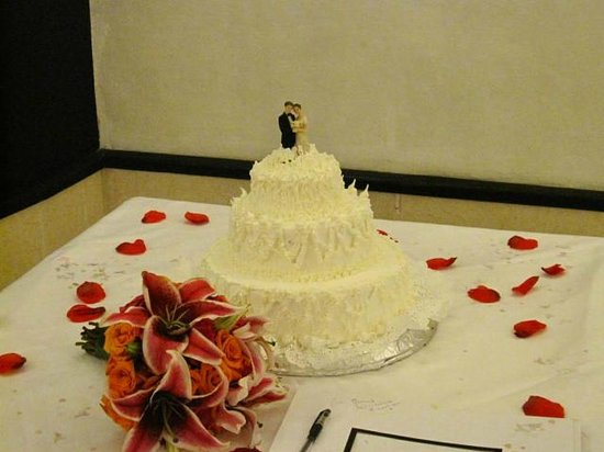 Sirenis Tropical Suites: Wedding cake