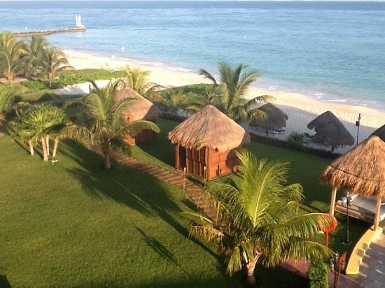 Melia Cozumel All Inclusive Golf & Beach Resort: Morning view from out balcony. What a great way to start a day!