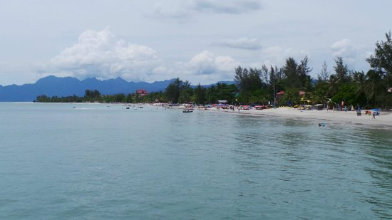 Casa del Mar, Langkawi: Looking back down the beach towards the Casa.
