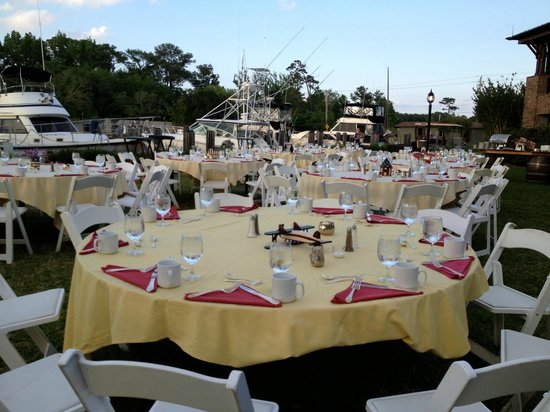 Grand Hotel Marriott Resort, Golf Club &amp; Spa: Outside Dining at the Marina