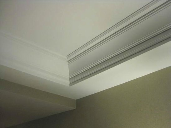 Tray ceiling with crown molding Picture of Town