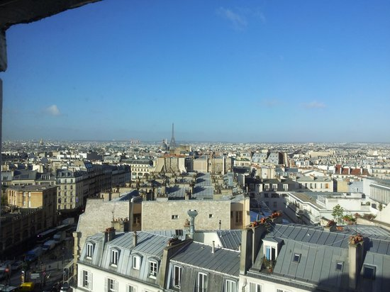 Mercure Paris Montmartre Sacre Coeur: View towards Paris
