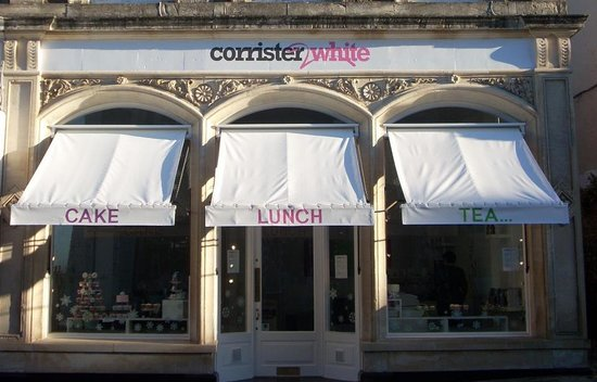 Clevedon, UK: corrister and white