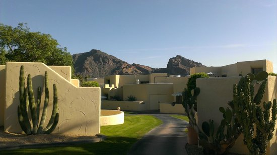 JW Marriott Camelback Inn Scottsdale Resort & Spa: View from out Veranda