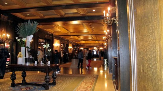 Fairmont Le Chateau Frontenac: 1 hall du chteau