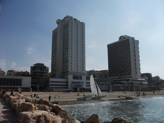Crowne Plaza Tel Aviv: Crown Plaza in center