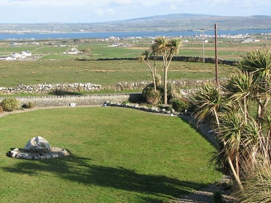 Liscannor, Irland: View from one bedroom