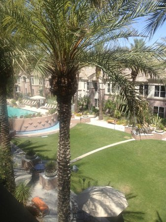 Gainey Suites Hotel: View of Courtyard from my room!