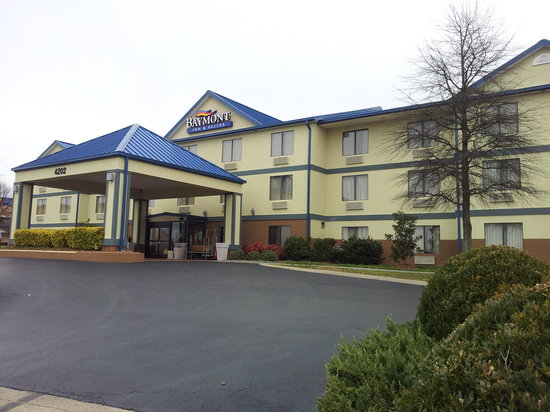 Baymont Inn and Suites Franklin: Front Picture